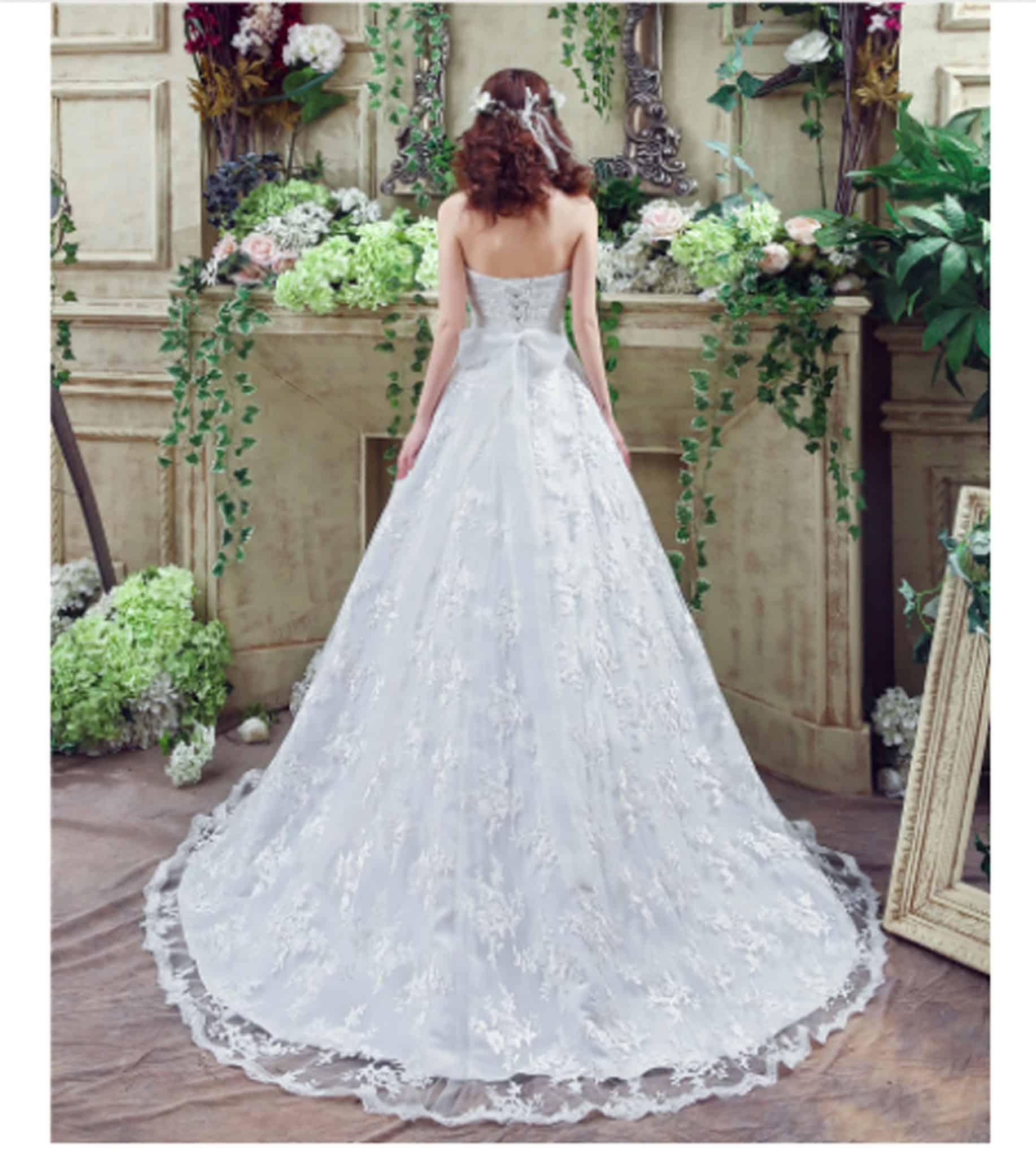 Sweetheart Lace Wedding Dress: Elegant Sweetheart Lace Princess Cut Wedding Dress